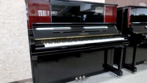 ヤマハリニューアルピアノYU30BMSBサイレント付