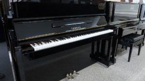 ヤマハリニューアルピアノYM10
